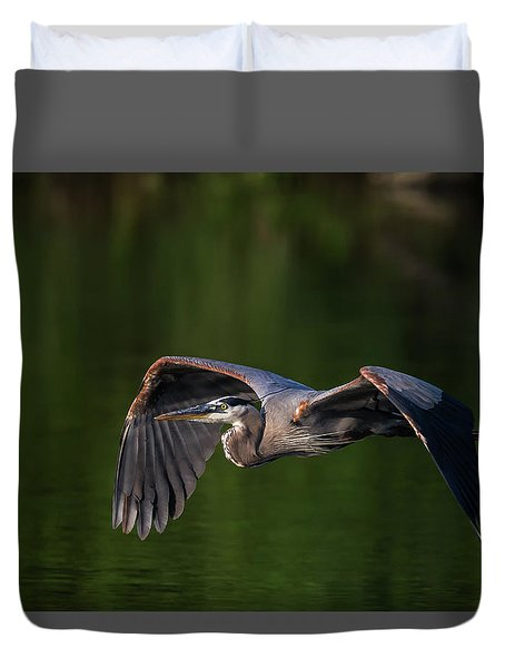 Duvet Cover featuring the photograph Graceful Flight by Everet Regal
