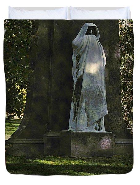 Graceland Chicago - The Place Where The Spirits Roam Duvet Cover by Christine Till