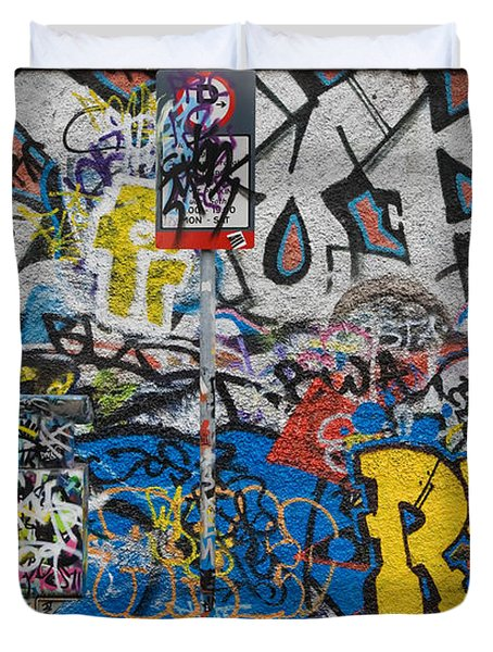 Grafitti On The U2 Wall, Windmill Lane Duvet Cover by Panoramic Images
