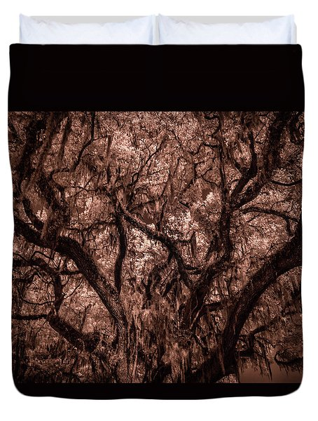 Duvet Cover featuring the photograph Grand Daddy Oak Tree In Infrared by Louis Ferreira