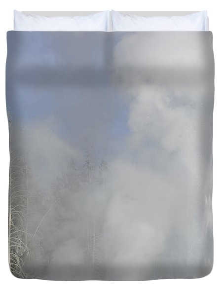Grand Geyser Vertical Duvet Cover