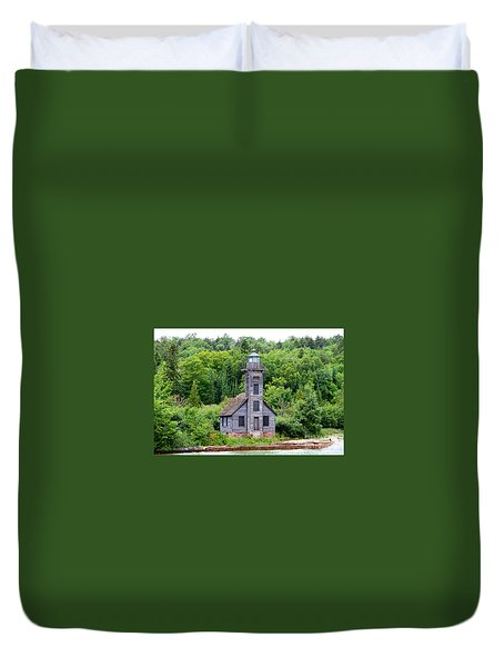 Duvet Cover featuring the photograph Grand Island East Channel Lighthouse #6549 by Mark J Seefeldt
