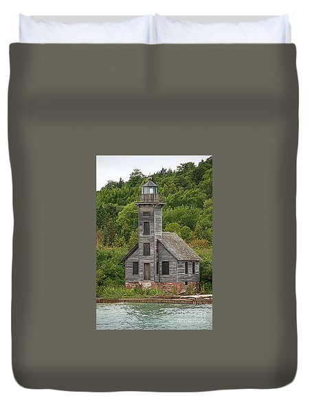 Duvet Cover featuring the photograph Grand Island East Channel Lighthouse #6664 by Mark J Seefeldt