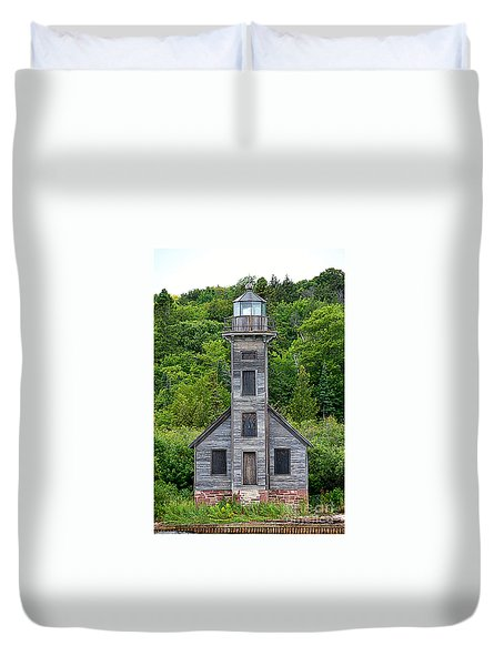 Duvet Cover featuring the photograph Grand Island East Channel Lighthouse #6672 by Mark J Seefeldt