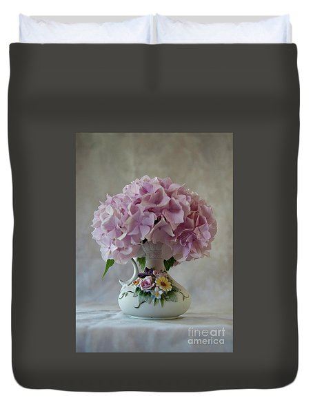Grandmother's Vase   Duvet Cover