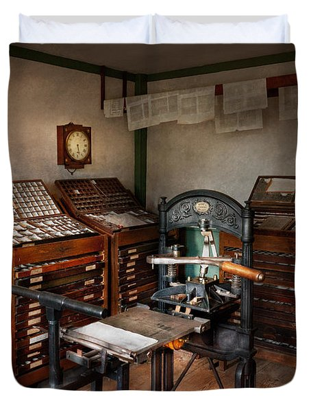 Graphic Artist - The Print Office - 1750  Duvet Cover by Mike Savad