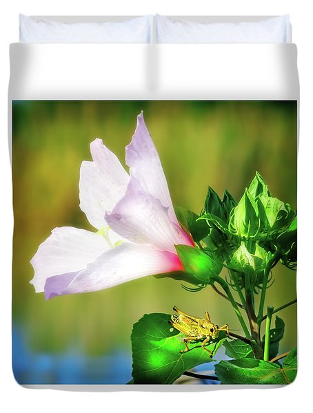 Grasshopper And Flower Duvet Cover