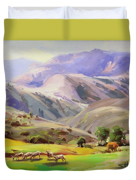 Grazing In The Salmon River Mountains Duvet Cover