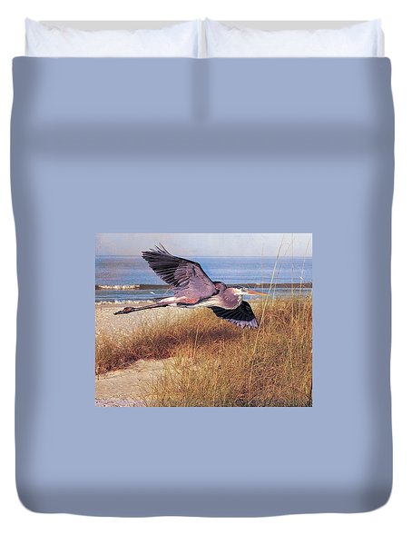 Great Blue Heron At The Beach Duvet Cover
