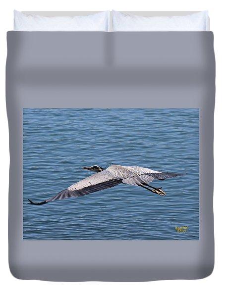Great Blue Heron Flying Over Morro Bay Duvet Cover