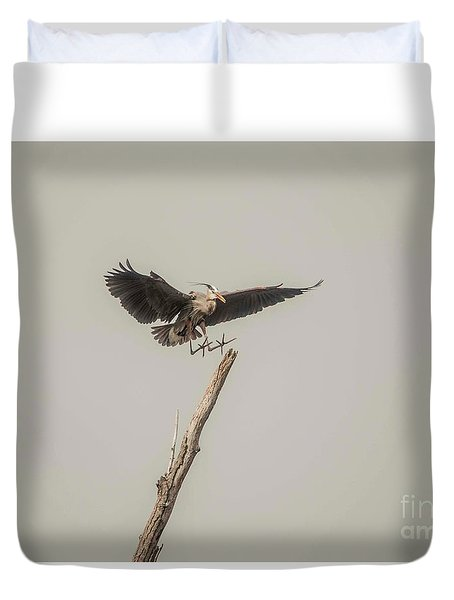 Duvet Cover featuring the photograph Great Blue Heron Landing by David Bearden