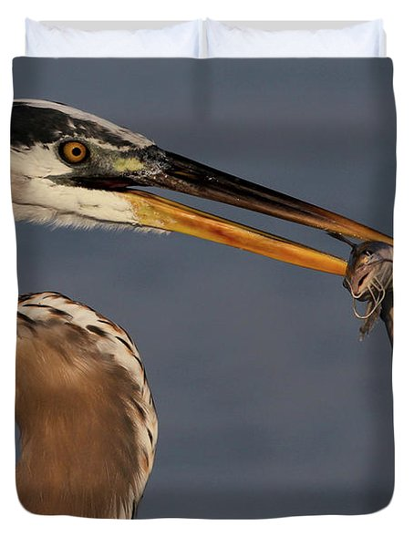 Great Blue Heron W/catfish Duvet Cover