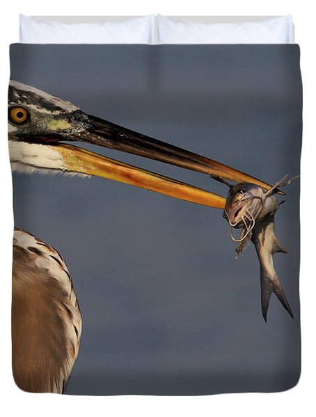 Great Blue Heron W/catfish Duvet Cover