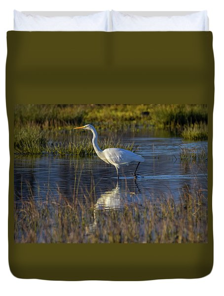 Great Egret, Ardea Alba, In A Pond Duvet Cover