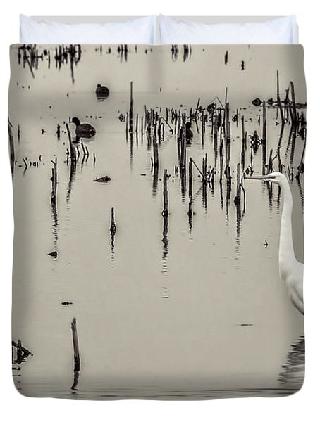 Great Egret At Horicon - B - W  Duvet Cover