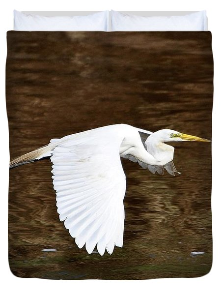 Great Egret In Flight Duvet Cover by Al Powell Photography USA