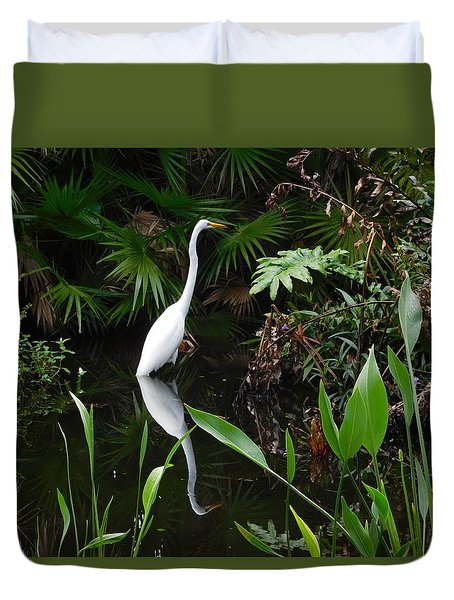 Duvet Cover featuring the photograph Great Egret In Pond by Melinda Saminski