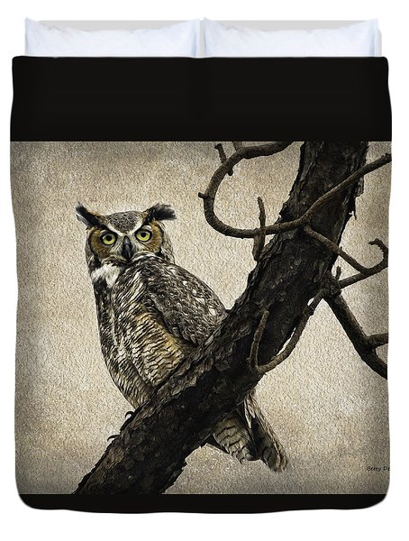 Duvet Cover featuring the photograph Great Horned Owl by Betty Denise