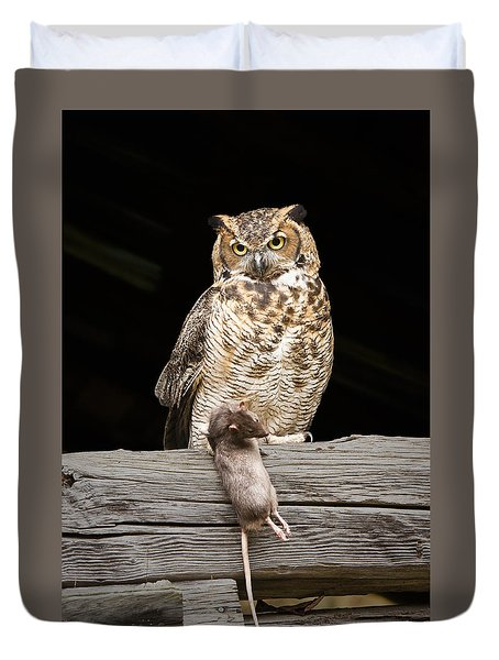 Great Horned Owl With Dinner Duvet Cover