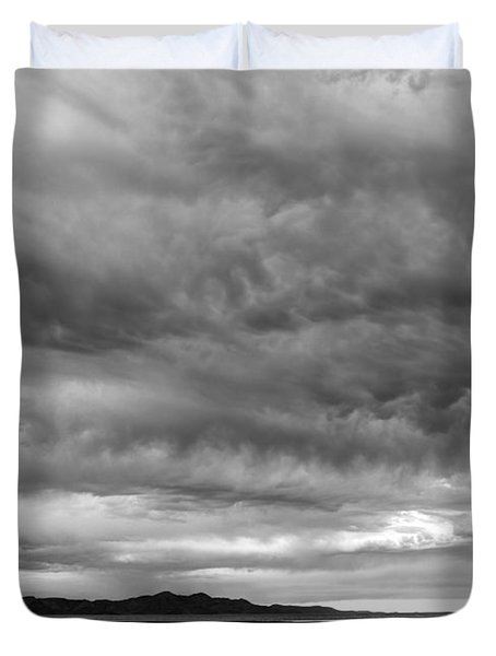 Great Salt Lake Clouds At Sunset - Black And White Duvet Cover