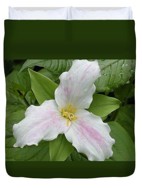 Great White Trillium Duvet Cover