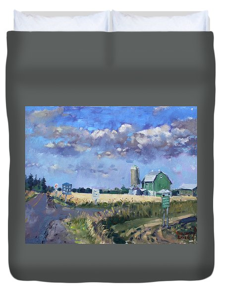 Green Barn In Glen Williams On Duvet Cover