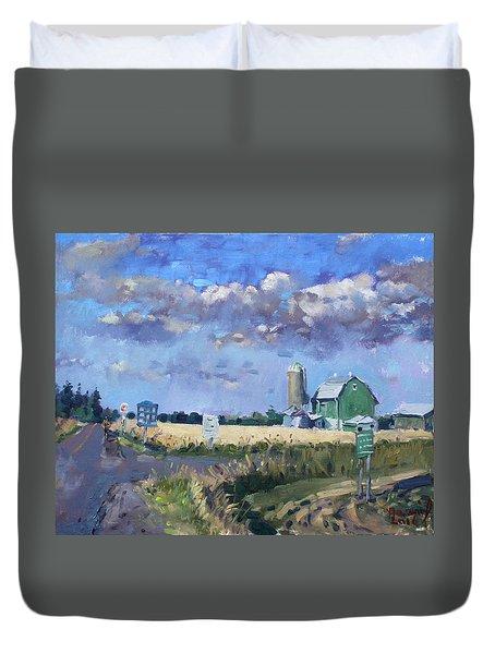 Green Barn In Glen Williams On Duvet Cover by Ylli Haruni