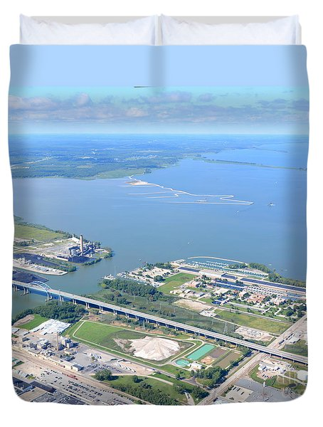 Duvet Cover featuring the photograph Green Bay To Bay by Bill Lang