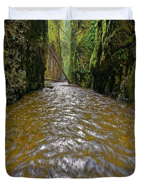 Duvet Cover featuring the photograph Green Flow by Jonathan Davison