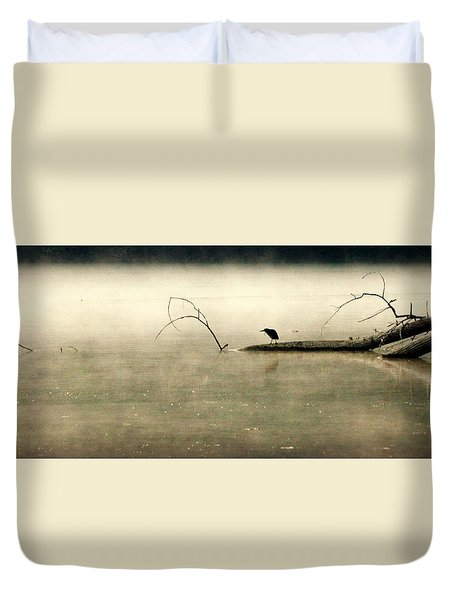 Green Heron In Dawn Mist Duvet Cover