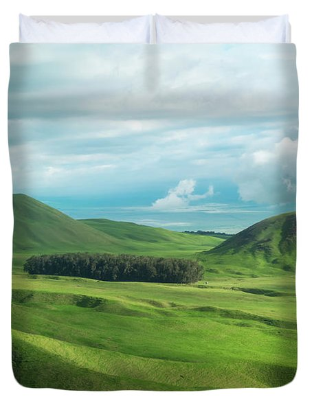 Green Hills On The Big Island Of Hawaii Duvet Cover by Larry Marshall