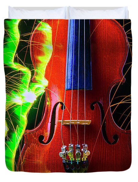 Green Sparks And Violin Duvet Cover