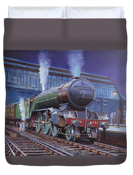 Duvet Cover featuring the painting Gresley Green Arrow Class. by Mike  Jeffries