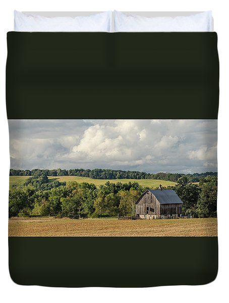 Duvet Cover featuring the photograph Grey Barn by Dan Traun