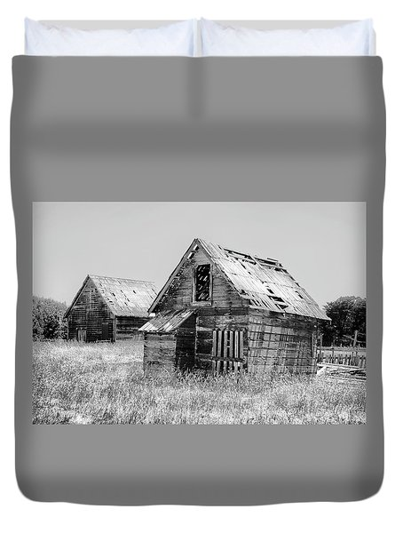 Grizzled Acres In Black And White Duvet Cover by Kandy Hurley