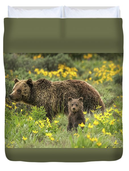Grizzlies In The Wildflowers Duvet Cover