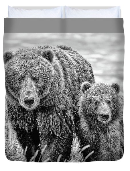 Grizzly Bear And Cub Duvet Cover