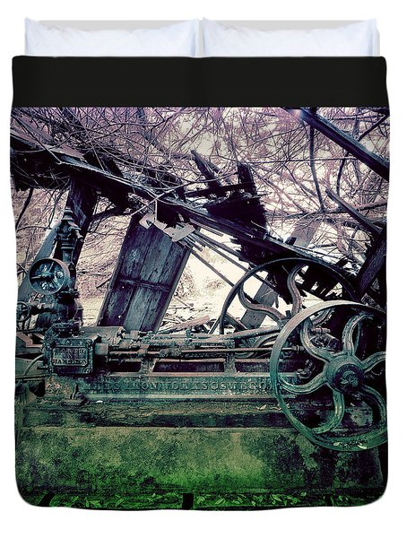 Duvet Cover featuring the photograph Grunge Steam Engine by Robert G Kernodle