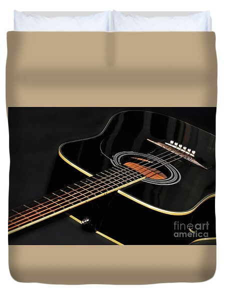 Duvet Cover featuring the photograph Guitar Low Key By Kaye Menner by Kaye Menner