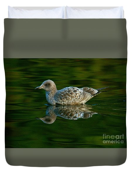 Duvet Cover featuring the photograph Gull Reflecting by Myrna Bradshaw