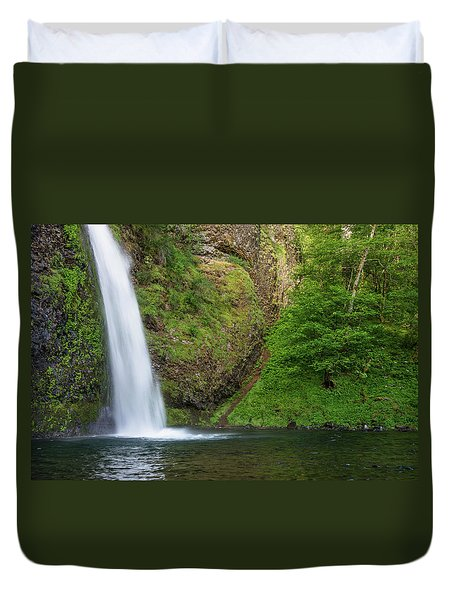 Duvet Cover featuring the photograph Gushing Horsetail Falls by Greg Nyquist