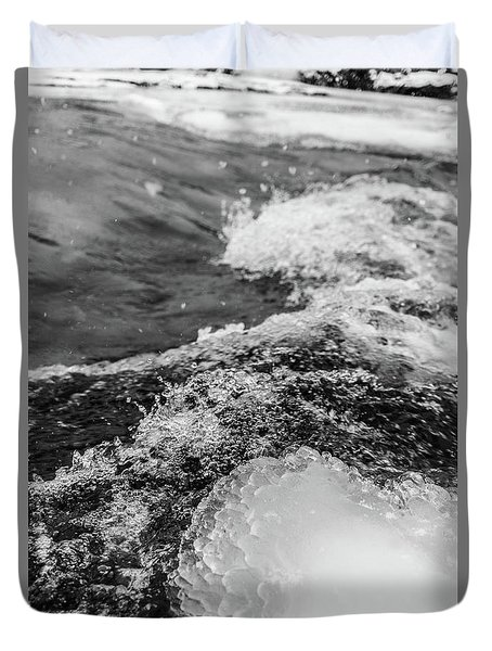 Duvet Cover featuring the photograph H2O by Alex Lapidus