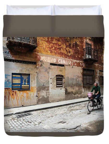 Habana Vieja Ride Duvet Cover