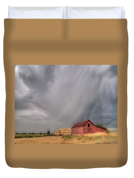 Hail Shaft And Montana Barn Duvet Cover