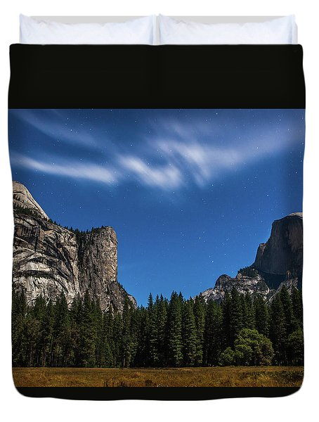 Half Dome And Moonlight - Yosemite Duvet Cover