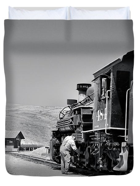 Duvet Cover featuring the photograph Half Way by Ron Cline