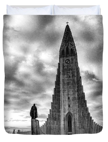 Duvet Cover featuring the photograph Hallgrims Kirkja Iceland by Rick Bragan
