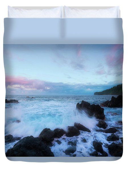 Duvet Cover featuring the photograph Hamakua Sunset by Ryan Manuel