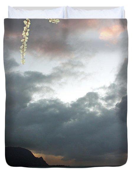 Hanalei Bay Sunset Duvet Cover by Kathy Yates