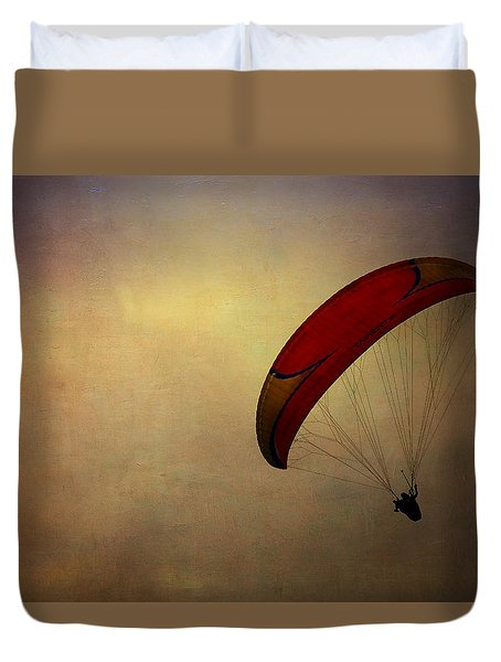 Hang Gliding In Peru Duvet Cover